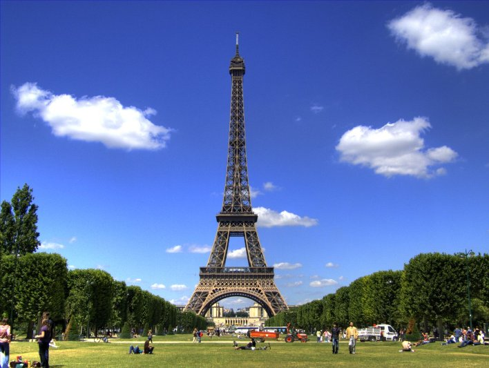 Edificios polemicos - Torre Eiffel Paris