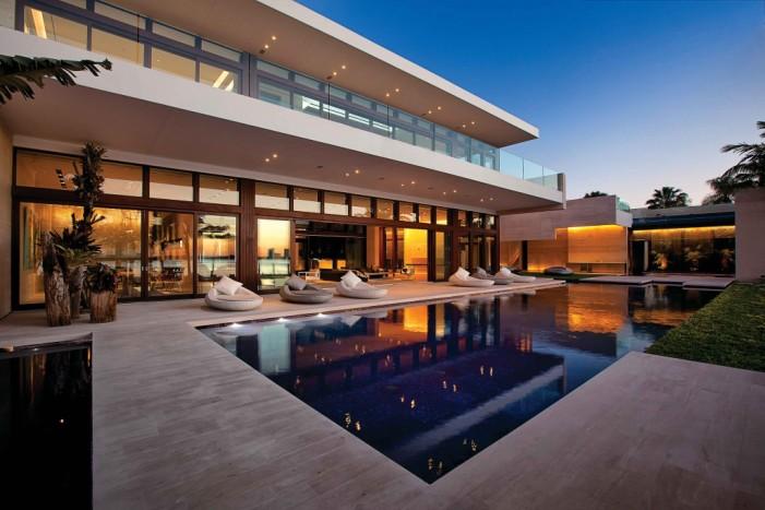 Arquiteta Indaiatuba Diana Brooks - Casa de arquitetura deslumbrante em Miami fachada piscina