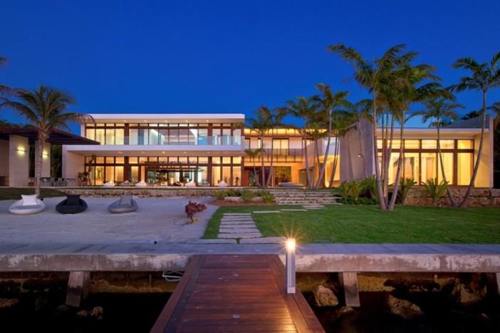 Arquiteta Indaiatuba Diana Brooks - Casa de arquitetura deslumbrante em Miami fachada posterior