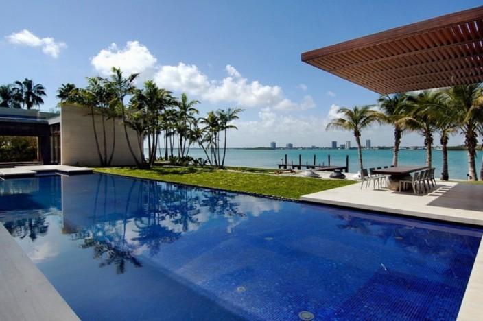 Arquiteta Indaiatuba Diana Brooks - Casa de arquitetura deslumbrante em Miami piscina