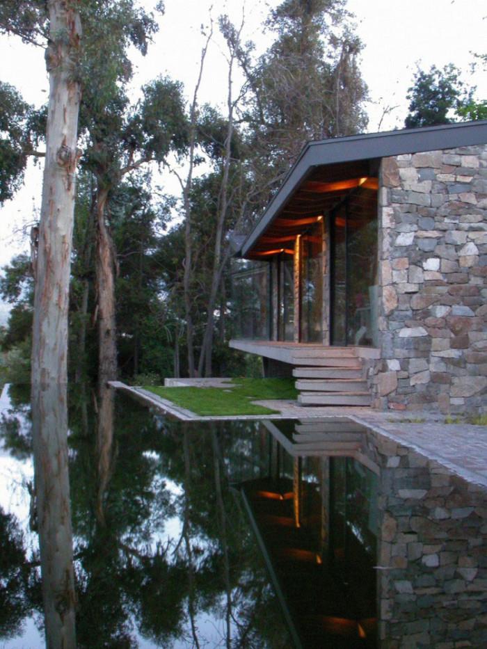 Casa com lago