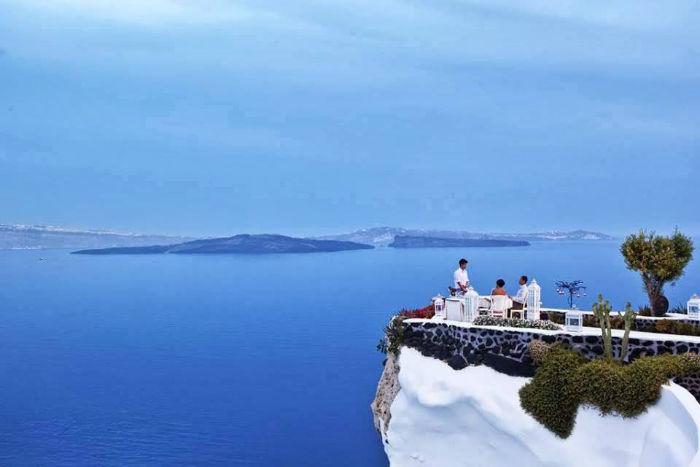 Adronis, em Santorini, Grécia