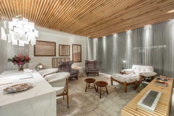 Sala maravilhosa poltrona confortável