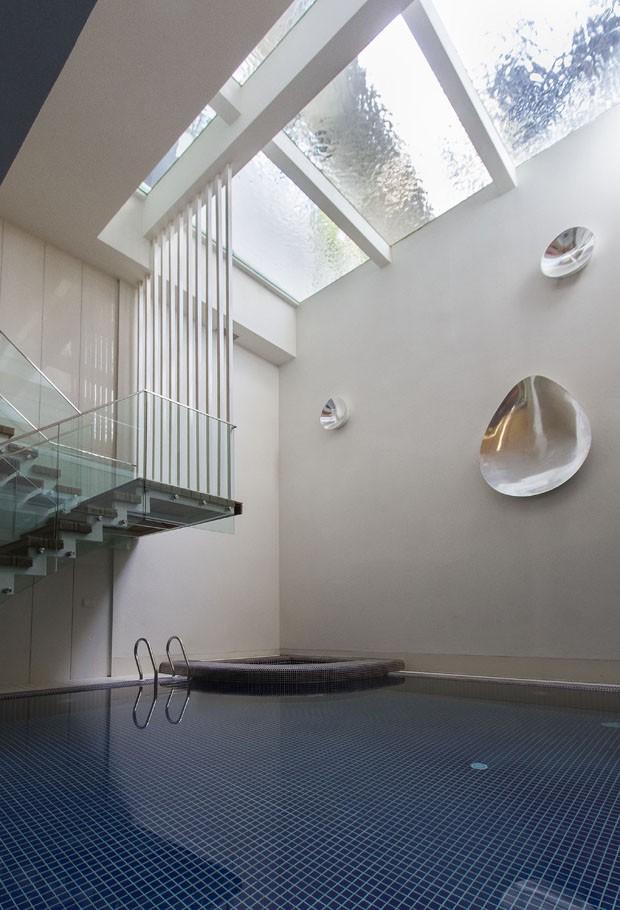 Espelho d'água sobre subsolo