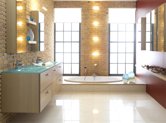 Iluminação paredes tijolo a vista banheiro
