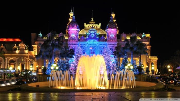 10 Cassino em Monte Carlo à noite