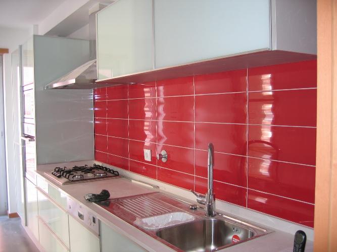 5 Revestimento vermelho na cozinha