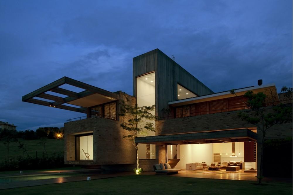 Iluminação casa de campo contemporânea
