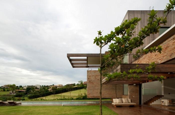 Linda casa moderna no condominio quinta de baroneza