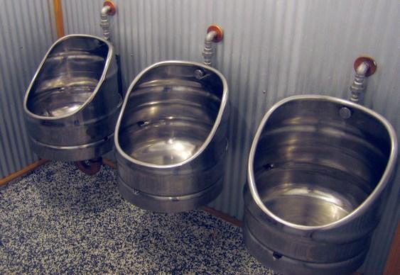 Mictório de barril