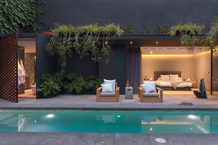 Linda casa moderna com muito verde no m xico barrancas house for Pool design 1970