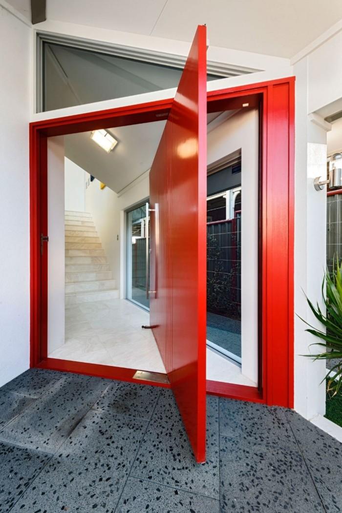 porta moderna ousada vermelha