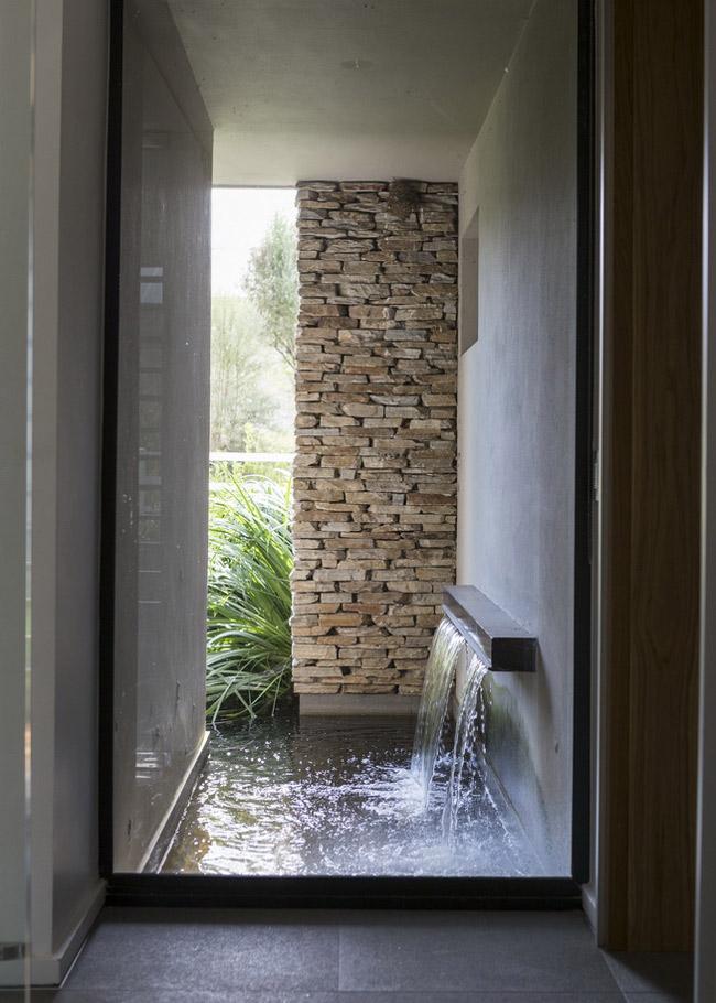 Casa de fazenda moderna e encantadora em johannesburgo - Fuentes de agua interior ...
