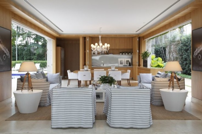 decoração interiores casa clean neutra poltrona listrada