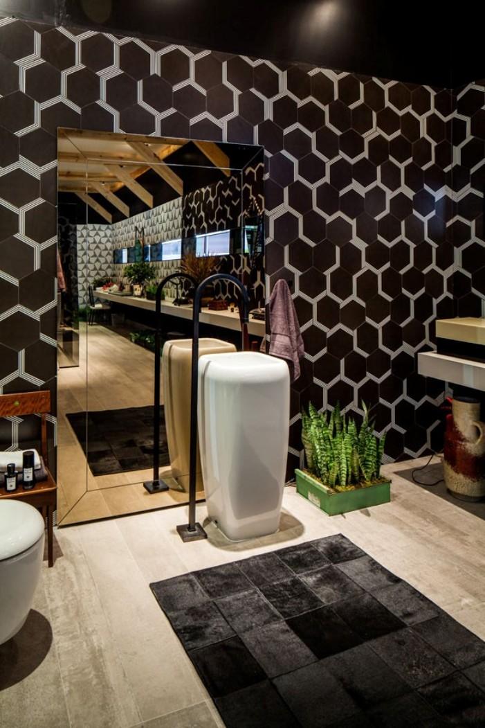Decoração de banheiro  10 lindos modelos de cubas de pis -> Decoracao De Banheiro Com Louca Preta