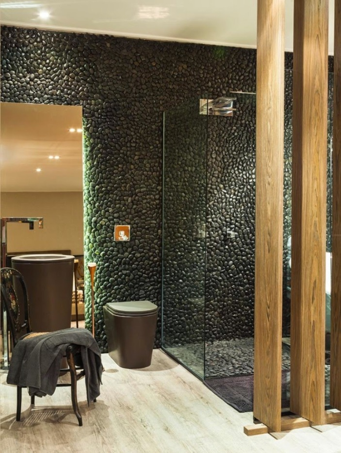 decoração banheiro moderno parede preta
