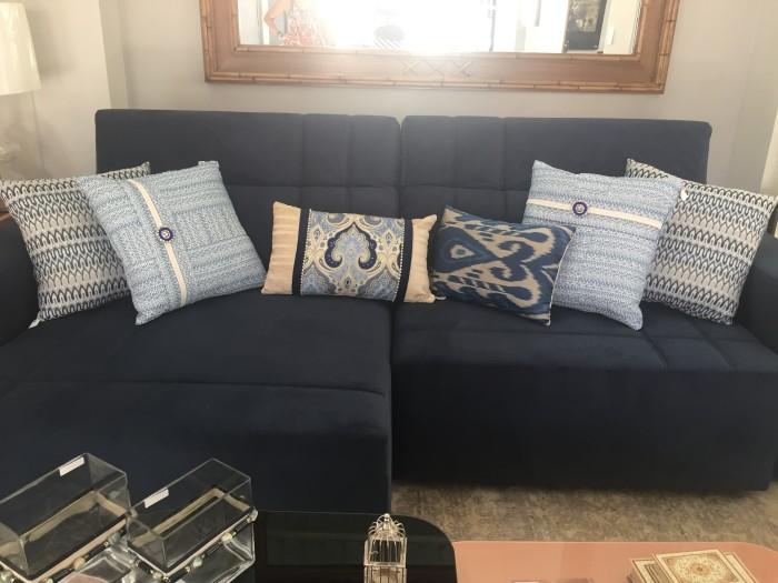 como combinar almofadas no sofá