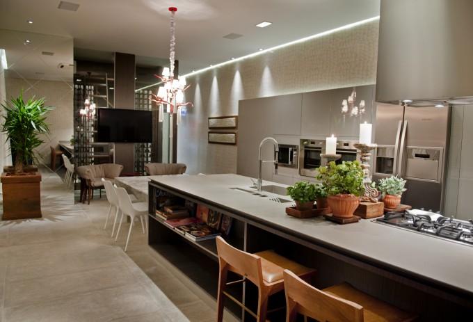 cozinha marrom com corian