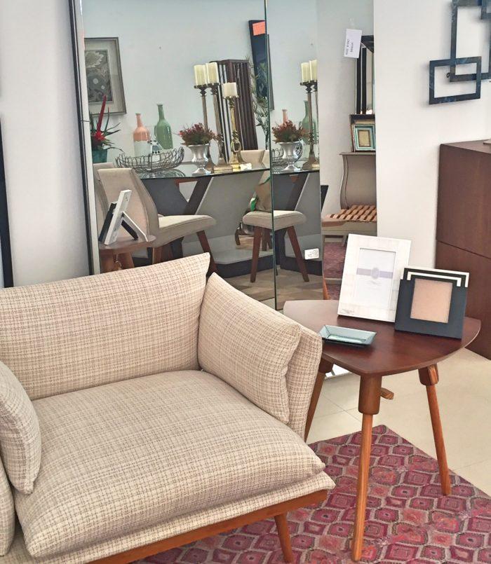 mesa lateral com porta retrato