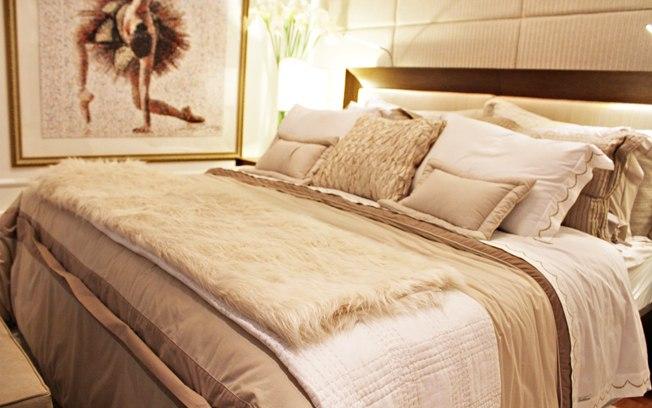 manta felpuda na cama