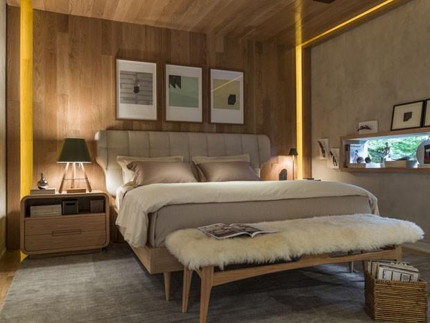 pezeira felpuda quarto bonito com madeira