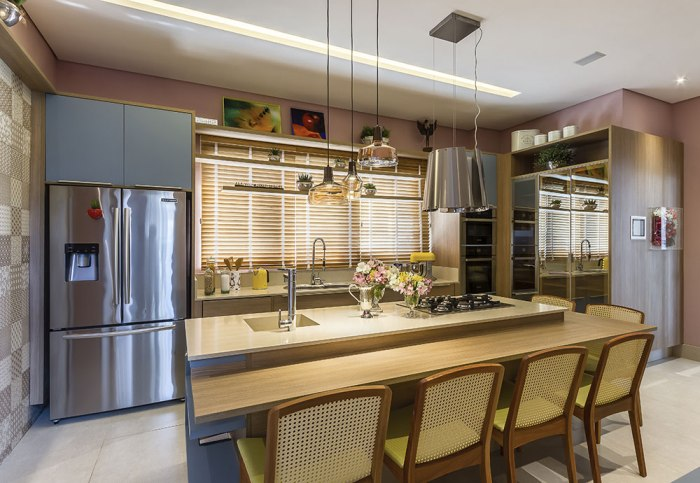 cozinha bonita com persiana
